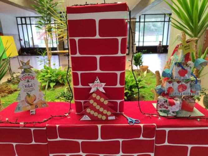 Os nossos enfeites Tetra Pak/FSC/Compal na nossa árvore de Natal sustentável