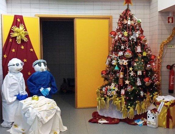 Ambiente natalício no átrio da nossa escola