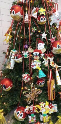 O entusiasmo dos nossos alunos enfeitou a nossa árvore
