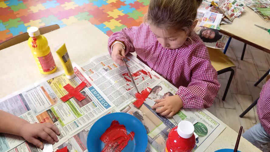pintura dos flocos com vermelho e/ou amarelo