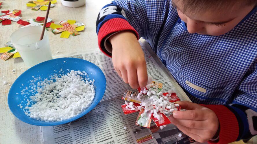 colar o esferovite nos flocos de neve