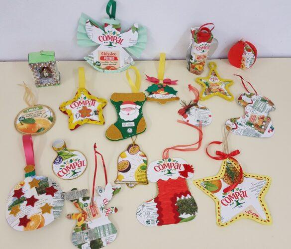 Este Natal, os enfeites estão por nossa conta. Usamos predominantemente embalagens da Tetra Pak da marca Compal.