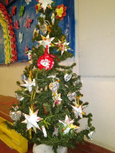 O Natal chegou<br/>Uma árvore natalícia