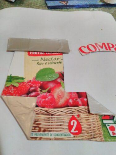 Bota de natal feita com a caixa da compal