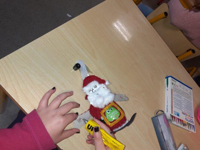 Pai Natal<br/>Pai Natal em três dimensões construído com materiais reutilizáveis.