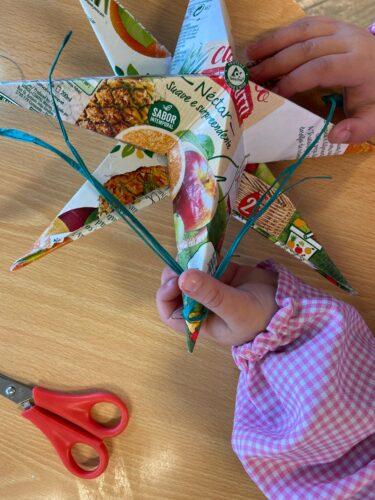 Estrela de Natal<br/>Estrela de Natal em 3 dimensões elaborada com materiais recicláveis