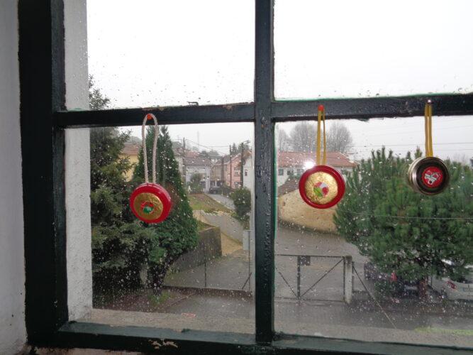 E nas janelas da sala de aula.